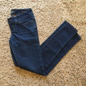 GUESS Daredevil Bootcut Skinny Jeans size 26!